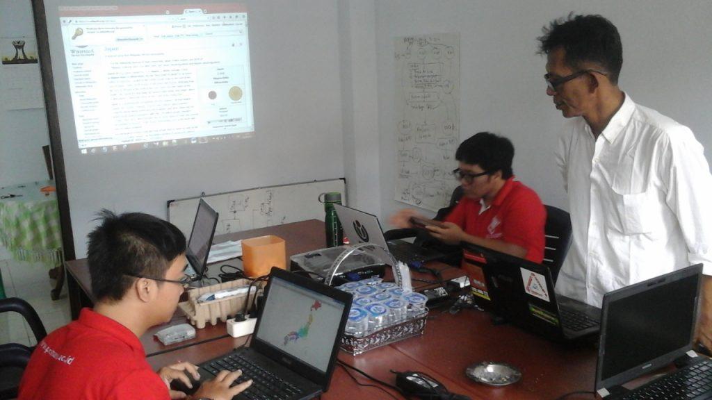 Pelatihan Wiki untuk Pengelolaan Pengetahuan Program Desa 2.0
