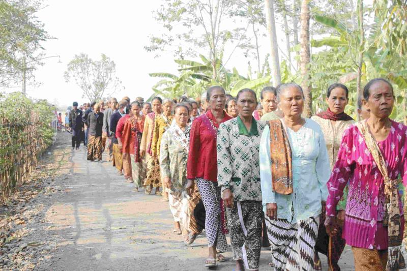 kirab-budaya-ID-inklusif-desa-membangun