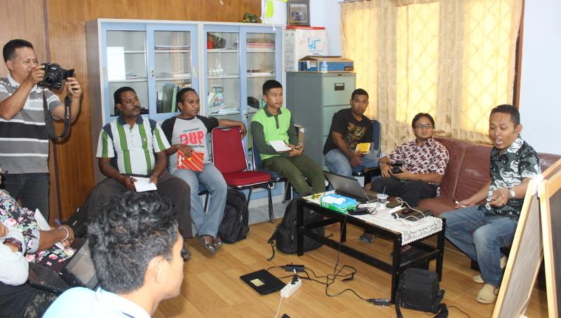 pelatihan manajemen informasi kphl biak numfor bersama gedhe foundation dan samdhana institute